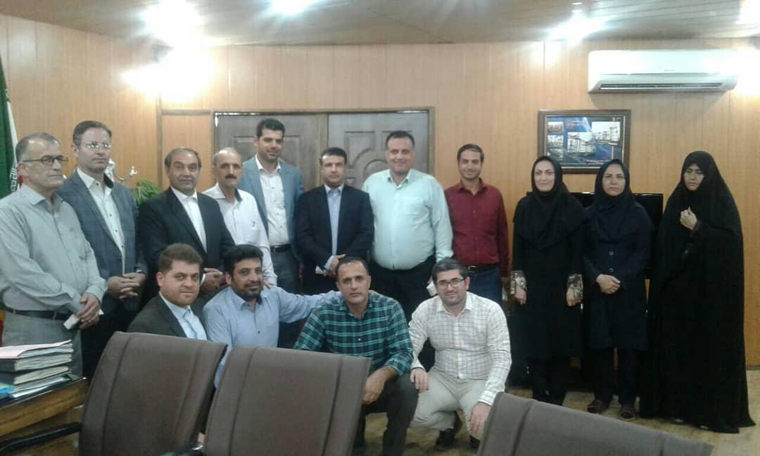 مراسم تجلیل از کارمندان  شهرداری رستم آباد برگزار شد