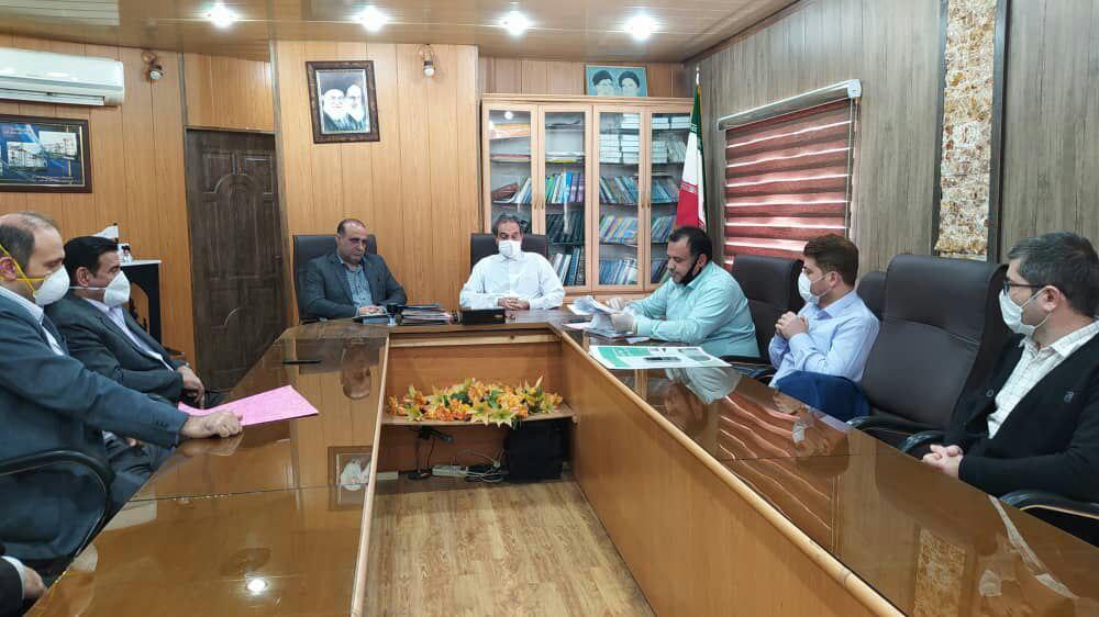 جلسه هم اندیشی شهردار و شورای شهر رستم آباد با معاون عمرانی فرمانداری رودبار برگزار شد