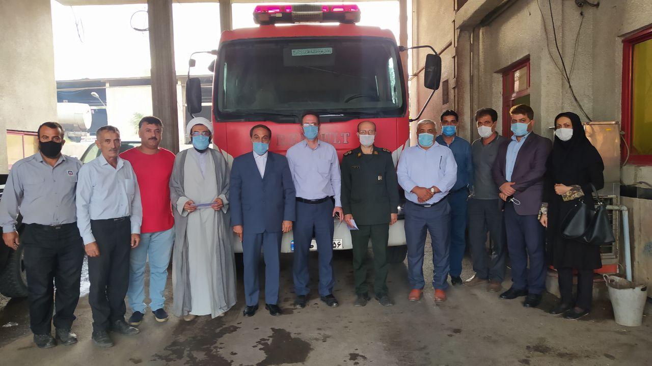 مراسم تجلیل از آتش نشانان شهر رستم آباد برگزار شد
